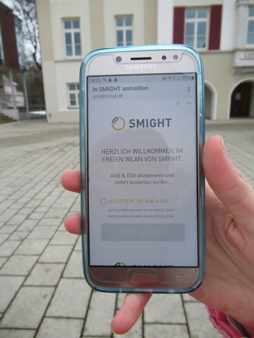Handy mit Startbild Smight