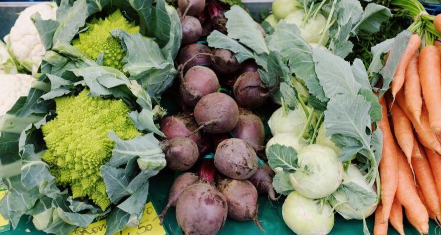 verschiedenes Gemüse auf dem Markt